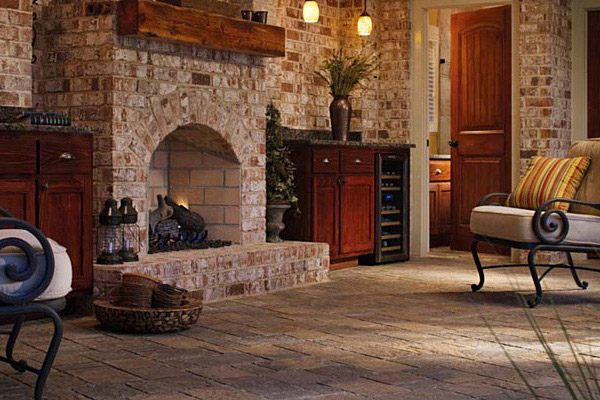 Fireplace hardscaping design Raleigh